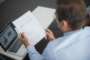 How to Select an Effective Contract Management System